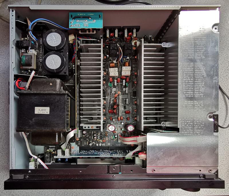 Yamaha AX-1070 Gehäuse geöffnet